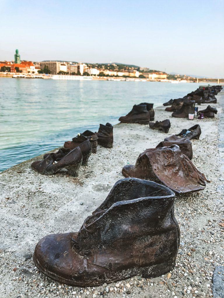 Monumento de los Zapatos del Danubio