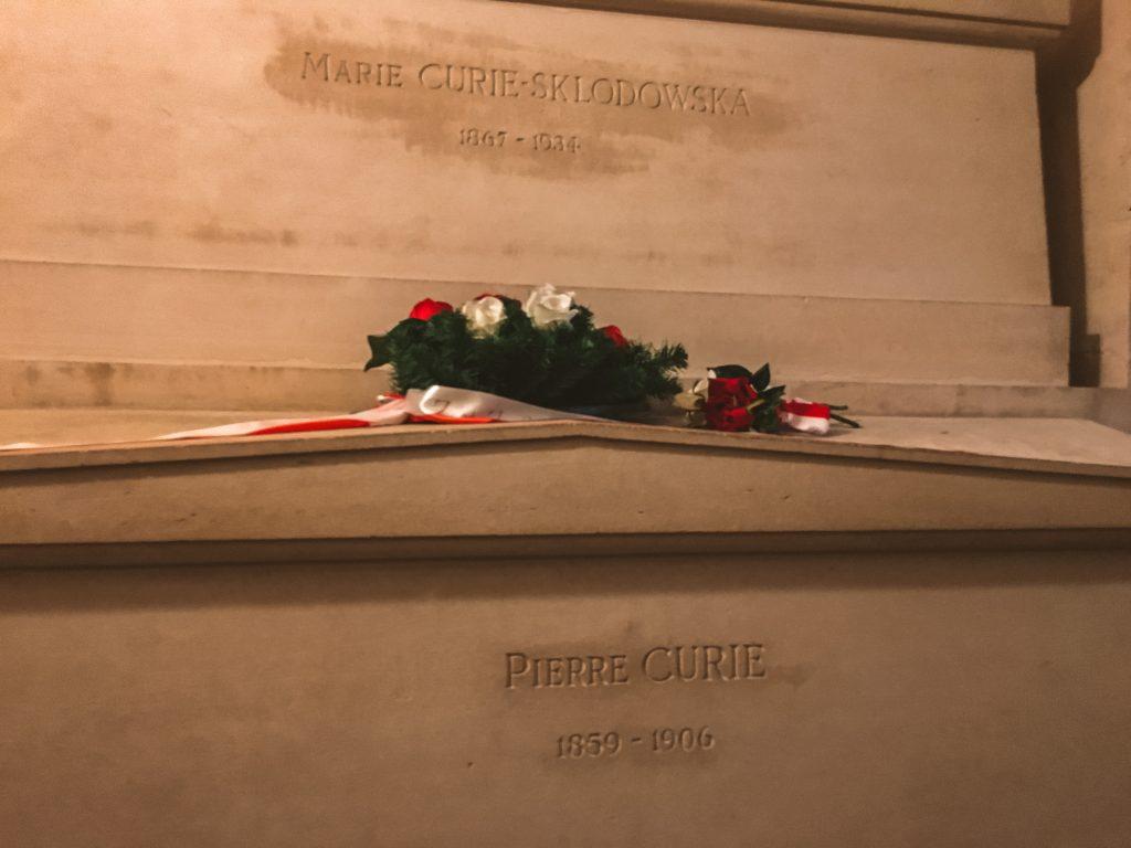 Tumba de Marie y Pierre Curie en la Cripta del Panteon