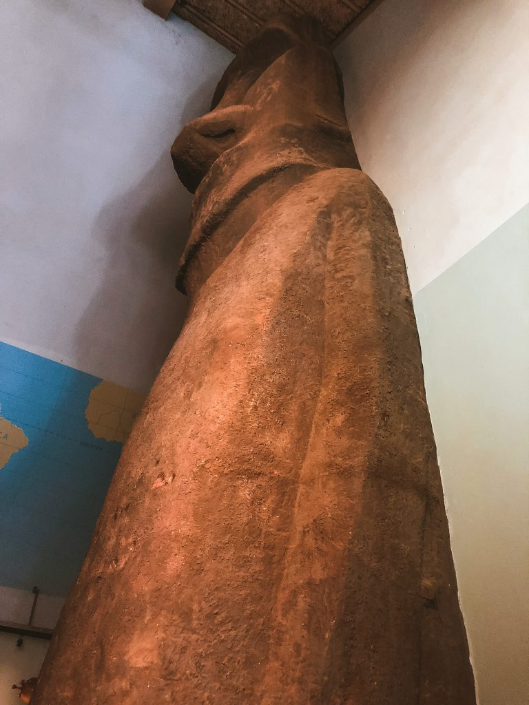 Réplica de un Moai