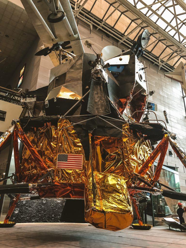 Modulo lunar LM2
