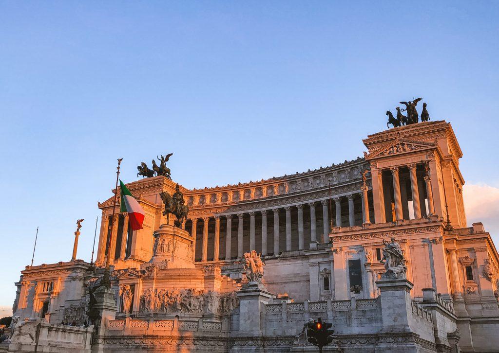 Monumento a Victor Manuel II