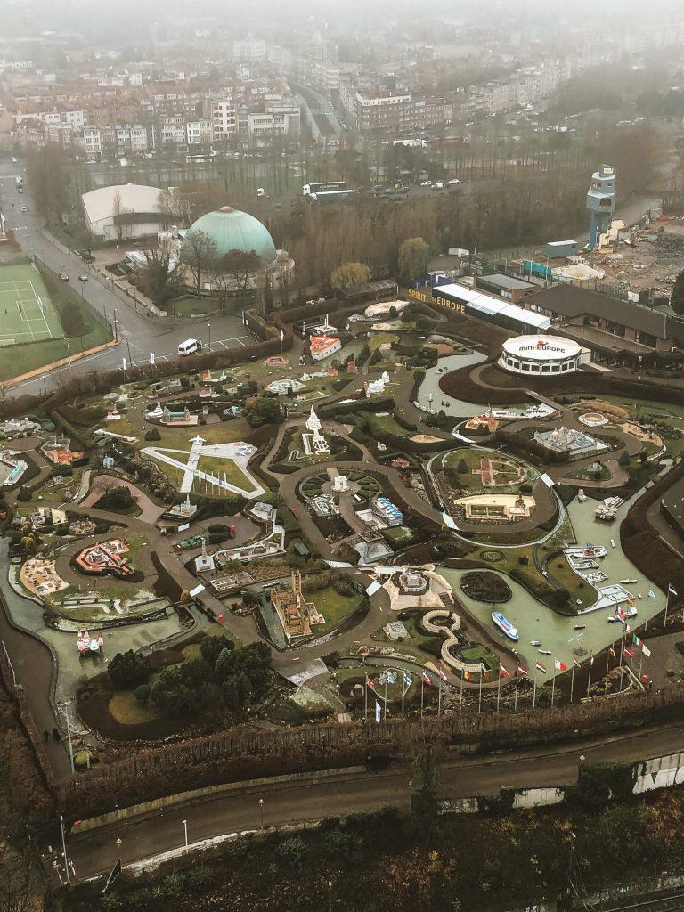 Vistas del Mini Europe desde el Átomo